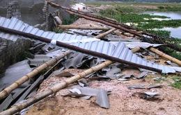 """Nghệ An: Mưa lớn, lốc xoáy """"càn quét"""" gây thiệt hại lớn"""