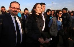 Cận cảnh chuyến thăm các người tị nạn ở Iraq của Angelina Jolie