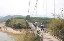 Kiểm tra tiến độ cầu treo dân sinh ở Yên Bái