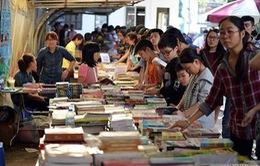 Color me marathon - cuộc thi thú vị tại Hội chợ sách 2015