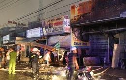 TP.HCM: Cháy lớn thiêu rụi ba cửa hàng trên Quốc lộ 50