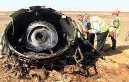 """Máy bay Nga có thể đã """"vỡ tung thành từng mảnh giữa không trung"""""""