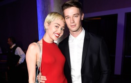 "Miley Cyrus tạm thời rời xa ""trai đẹp"" Patrick Schwarzenegger"