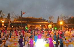 Dạ tiệc Hoàng cung đón gần 1.000 khách du lịch đến Huế