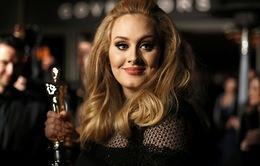Adele tiếp tục thể hiện ca khúc chủ đề của James Bond