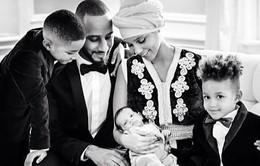 Alicia Keys rạng rỡ bên con trai mới sinh
