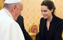 Vì sao Angelina Jolie không xuất hiện tại Quả cầu vàng 2015?