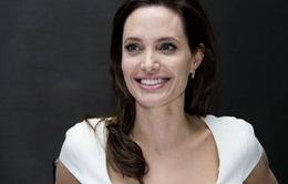 Angelina Jolie vào top 10 phụ nữ quyền lực nhất thế giới