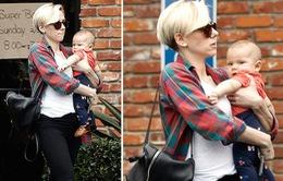Con gái Scarlett Johansson bất ngờ lộ diện