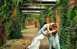 Cặp đôi yêu du lịch làm đám cưới khắp 6 châu lục