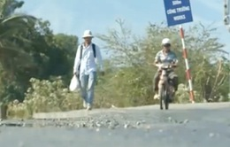 Chàng thanh niên đi bộ xuyên Việt để lập 300.000 tủ sách