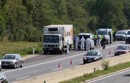 Áo: Hàng chục thi thể chết ngạt trong xe tải
