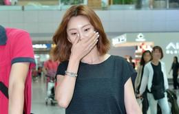 Vợ sắp cưới của Bae Yong Joon ngại ngùng trước ống kính