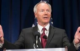 Thống đốc bang Arkansas thăm Cuba thúc đẩy hợp tác thương mại