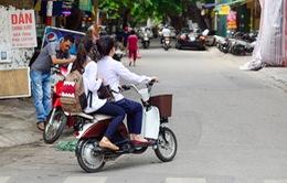 Nên hay không quy định độ tuổi đi xe đạp điện?