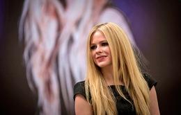 Avril Lavigne thú nhận bị lây bệnh từ động vật
