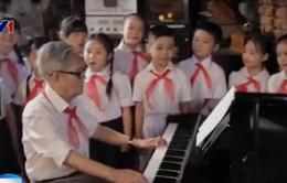 """Hơn 1.200 người hát """"Ai yêu Bác Hồ Chí Minh hơn thiếu niên nhi đồng"""""""