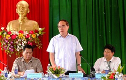 Đồng chí Nguyễn Thiện Nhân khảo sát mô hình HTX nông nghiệp kiểu mới ở Đăk Lăk
