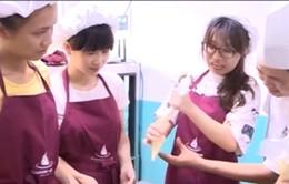 Lớp học nấu ăn ngày hè dành cho trẻ