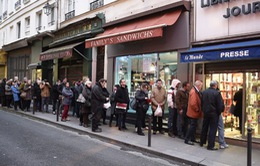Ấn phẩm mới của Charlie Hebdo bị chỉ trích