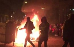 Bạo loạn ngay trong đêm Halloween tại Anh