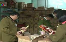 Hà Nội: Bắt quả tang và thu giữ hơn 20.000 chai rượu lậu