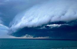 Bão lớn bất ngờ ập vào Australia