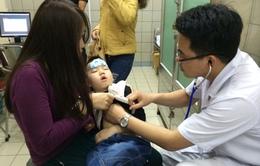 Hà Nội: Tăng 30% bệnh nhi nhập viện do thời tiết ẩm ướt