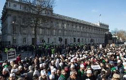 Anh: Người Hồi giáo biểu tình phản đối tòa soạn Charlie Hebdo