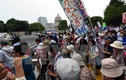 Nhiều người dân Nhật biểu tình phản đối dự luật an ninh mới