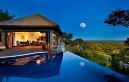 """Những khách sạn có bể bơi """"đỉnh"""" nhất thế giới"""