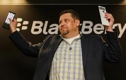 MWC 2015: BlackBerry Keian lộ diện với bàn phím trượt và màn hình viền cong