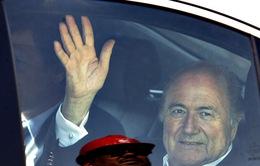 Ứng viên Chủ tịch FIFA hả hê khi Sepp Blatter từ chức
