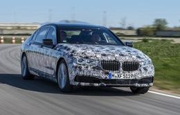 BMW 7-Series thế hệ mới với tính năng đỗ xe tự động