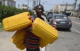 Nigeria đối mặt với khủng hoảng nhiên liệu trầm trọng