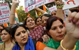 Chống nạn xâm hại tình dục: Phụ nữ Ấn Độcần làm gì?