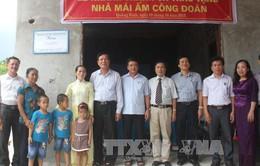 Bộ Giáo dục và Đào tạo trao tặng nhà tình nghĩa cho giáo viên ở Quảng Bình