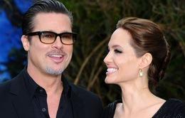 """Angelina Jolie tiết lộ bí quyết """"giữ lửa"""" bên Brad Pitt"""