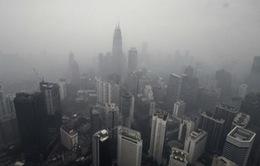Malaysia tiếp tục đóng cửa trường học vì khói mù