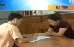 Hà Tĩnh: Nữ tài xế chở gỗ lậu chống đối công an