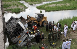 Tai nạn xe buýt nghiêm trọng tại Trung Quốc do mất lái