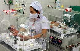 Ca sinh con thành công đầu tiên của người chạy thận nhân tạo chu kỳ