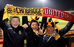 """Man Utd """"ép"""" fan mua vé xem trận đá lại vớiCambridge"""