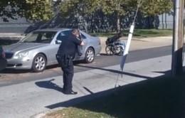 Mỹ lại chấn động sau vụ cảnh sát bắn người da màu trên xe lăn