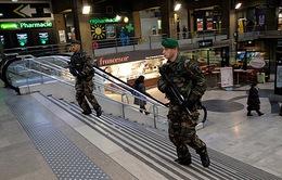 Pháp đã xác định được danh tính 3 kẻ xả súng ở Paris