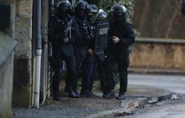 Pháp tăng cường an ninh trên cả nước