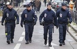 Cảnh sát Pháp phát hiện thắt lưng gắn bom ở thủ đô Paris