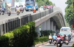 Nhiều cầu vượt ở TP HCM phải trang bị thêm lưới B40