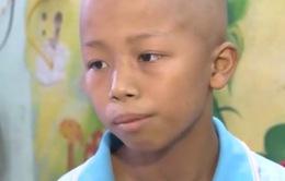 Xót thương cậu bé ung thư có gia cảnh nghèo khó