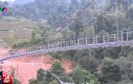 Niềm vui đến trường của học sinh Hà Giang từ cây cầu treo